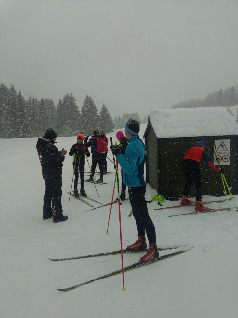 Mnogi ljubitelji skijaškog trčanja pohrlili na mrkopaljsku Zagmajnu / Foto  M. PETROVIĆ