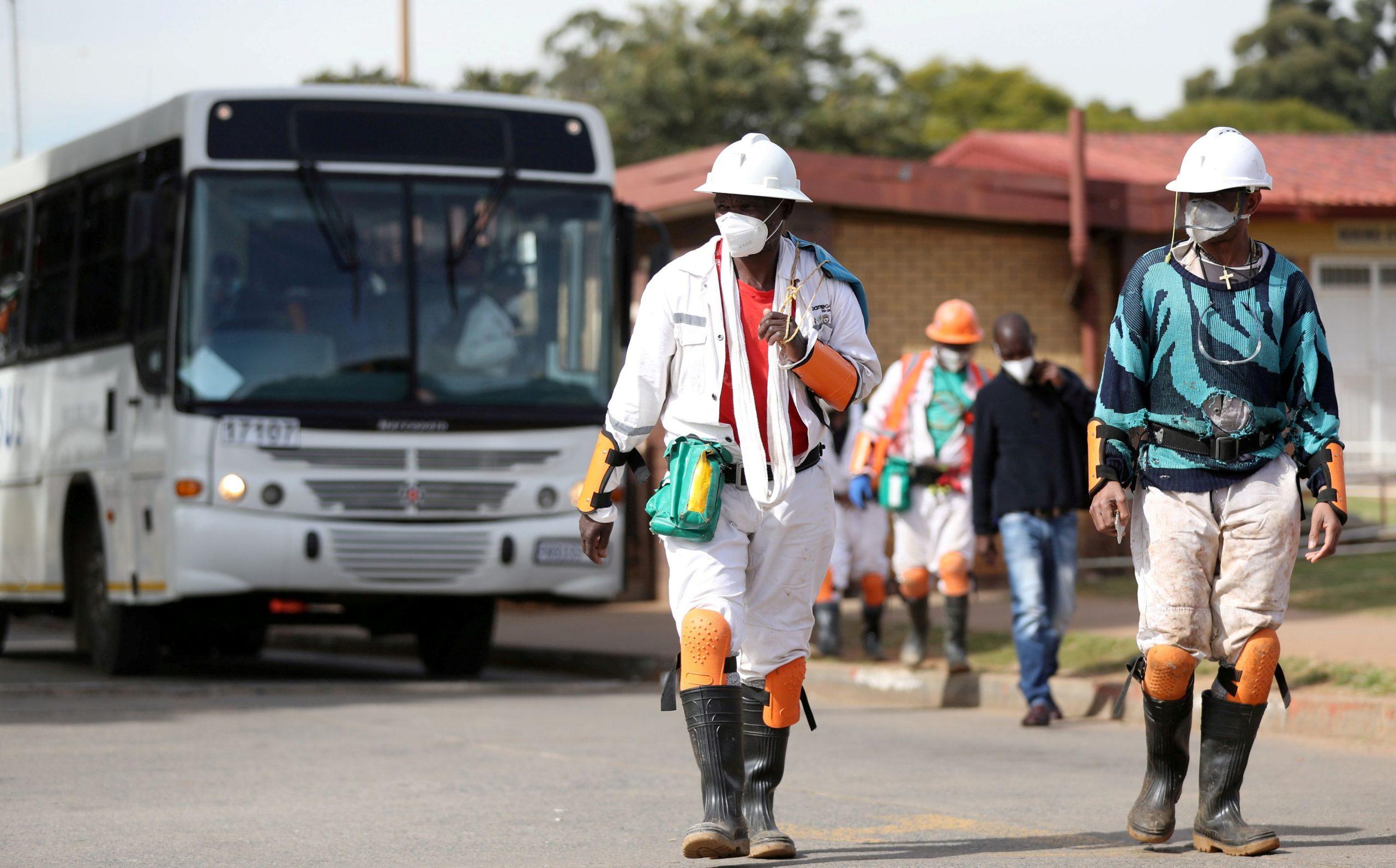 ffoto: REUTERS/Siphiwe Sibeko