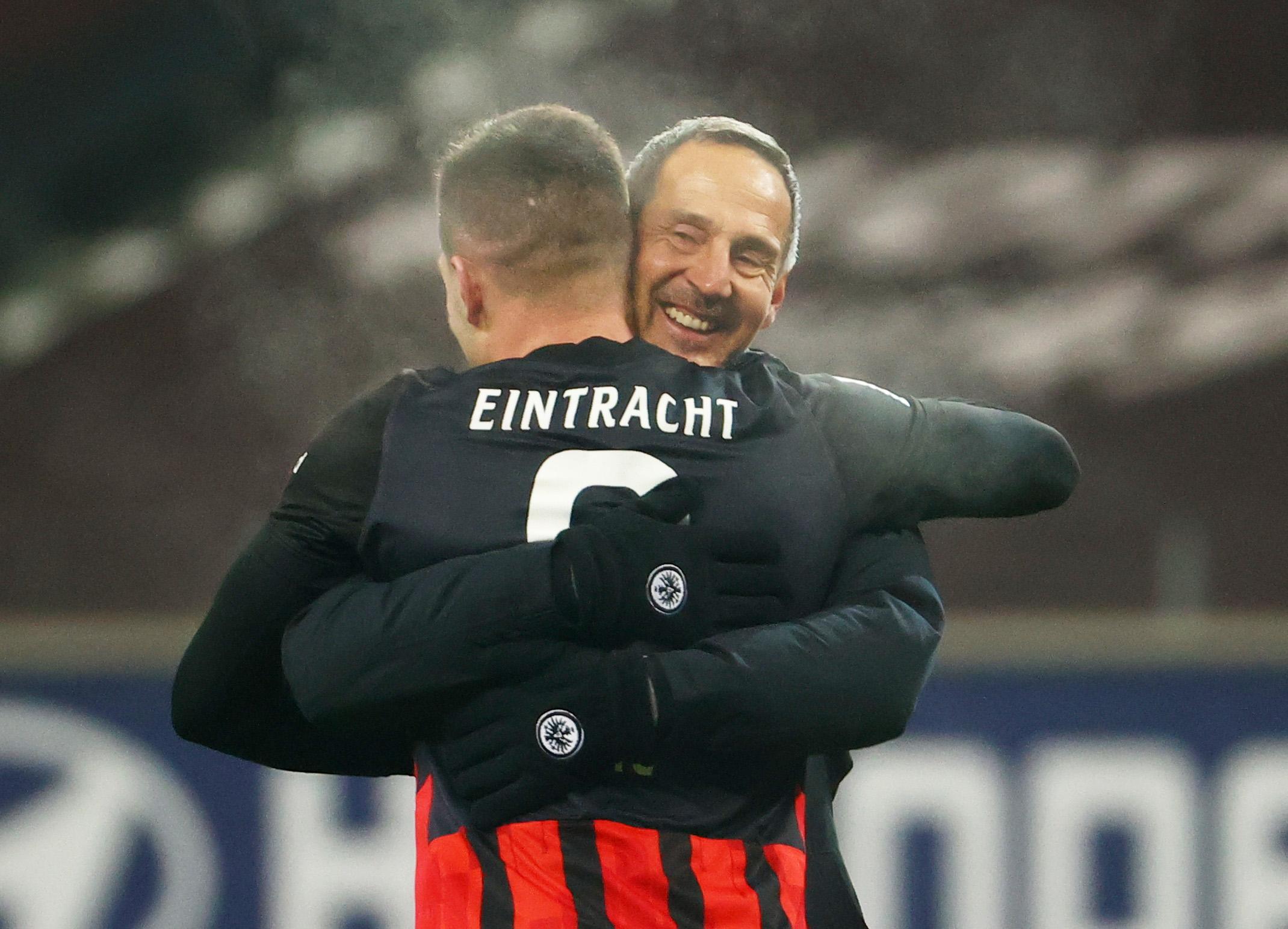 Luka Jović i trener Adi Hutter/Foto REUTERS