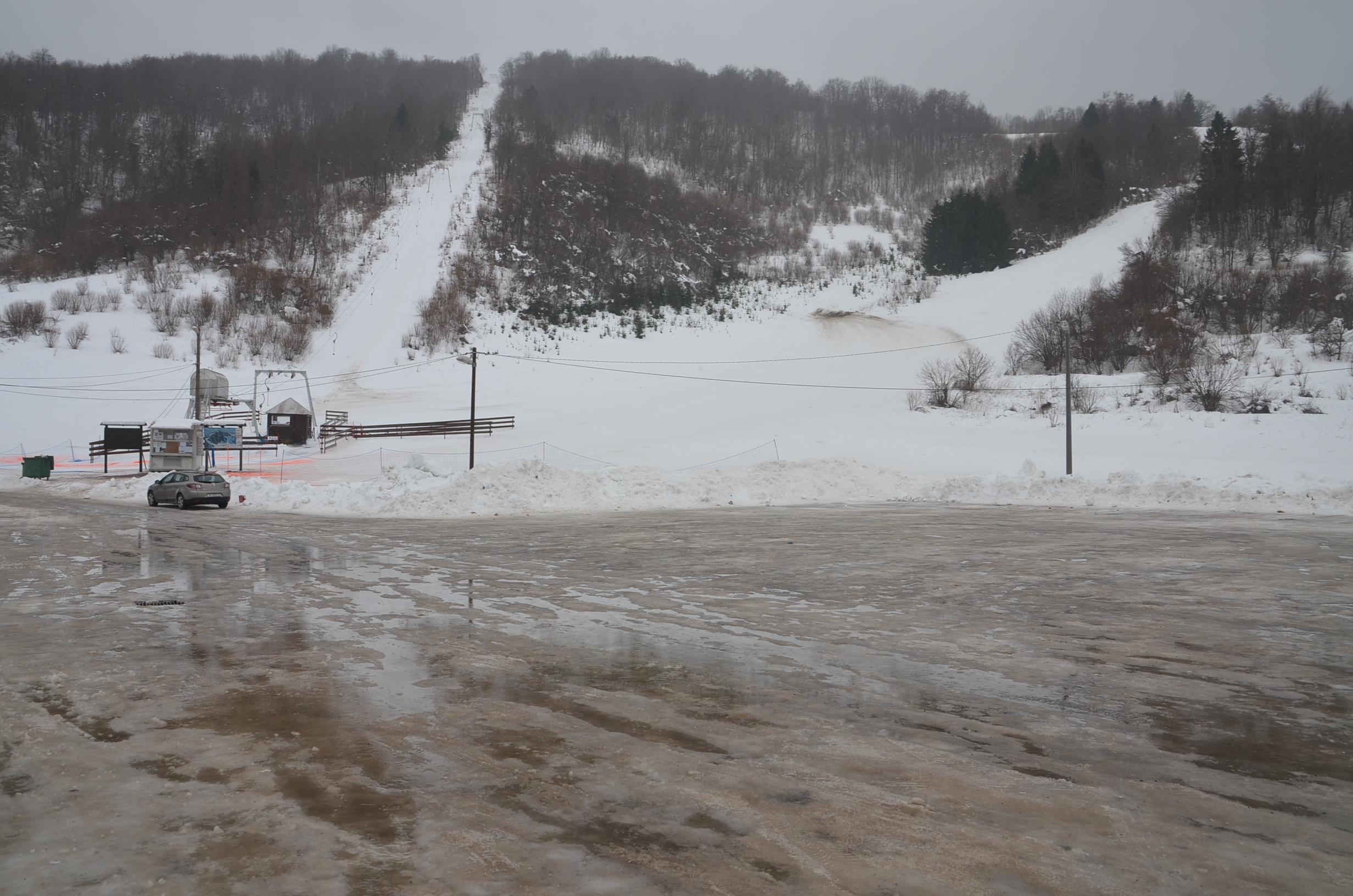 Čelimbaša je jučer doživjela prve jače udare juga i kiše ove zime / Foto M. KRMPOTIĆ