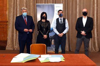S potpisivanja ugovora u Guvernerovoj palači / Foto VEDRAN KARUZA