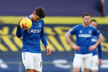 James Rodriguez i razočarani igrači Evertona/Foto: REUTERS