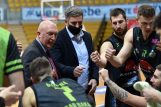 Trener Damir Rajković i igrači AO Škrljeva/D. KOVAČEVIĆ