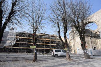Unatoč protivljenju znatnog dijela građana, nakon stručnog nadzora stanja drvoreda, stabla su ipak uklonjena / Foto S. DRECHSLER