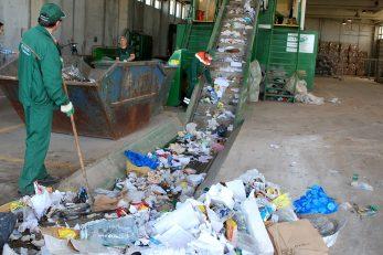 Sortirnica na Treskavcu »srce« sustava kojim se odvojeni otpad plasira na tržište sekundarnih sirovina / Foto M. TRINAJSTIĆ