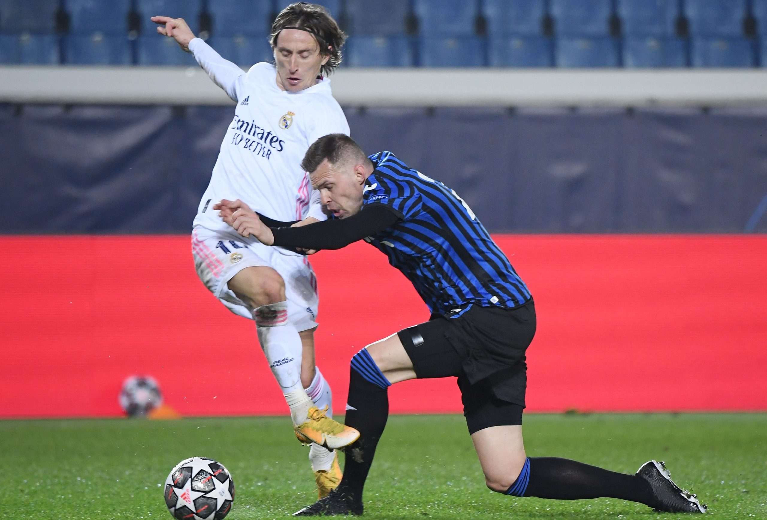 Luka Modrić i Josip Iličić/Foto REUTERS