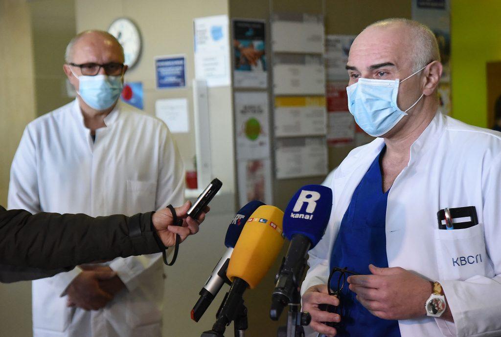 U nekoliko sati dobivena još jedna bitka protiv bolesti COVID-19 - dr. Sanjin Rački i dr. Alen Ružić / Snimio S. DRECHSLER
