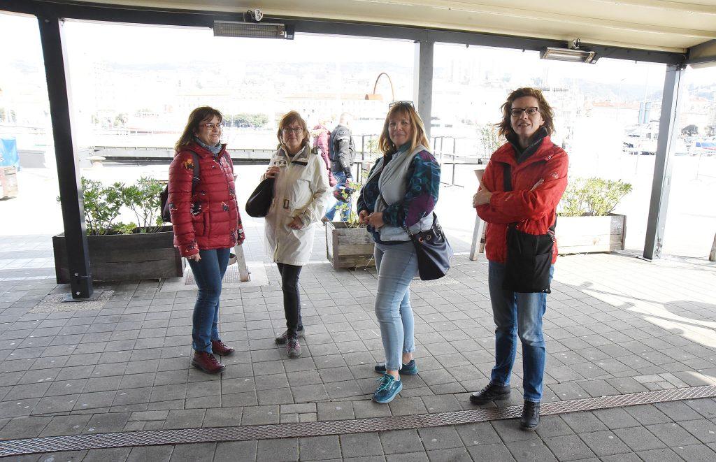 : Sve je u redu i s kavom za van, ali nije to to – Nada, Ksenija, Irena i Branka / Snimio S. DRECHSLER