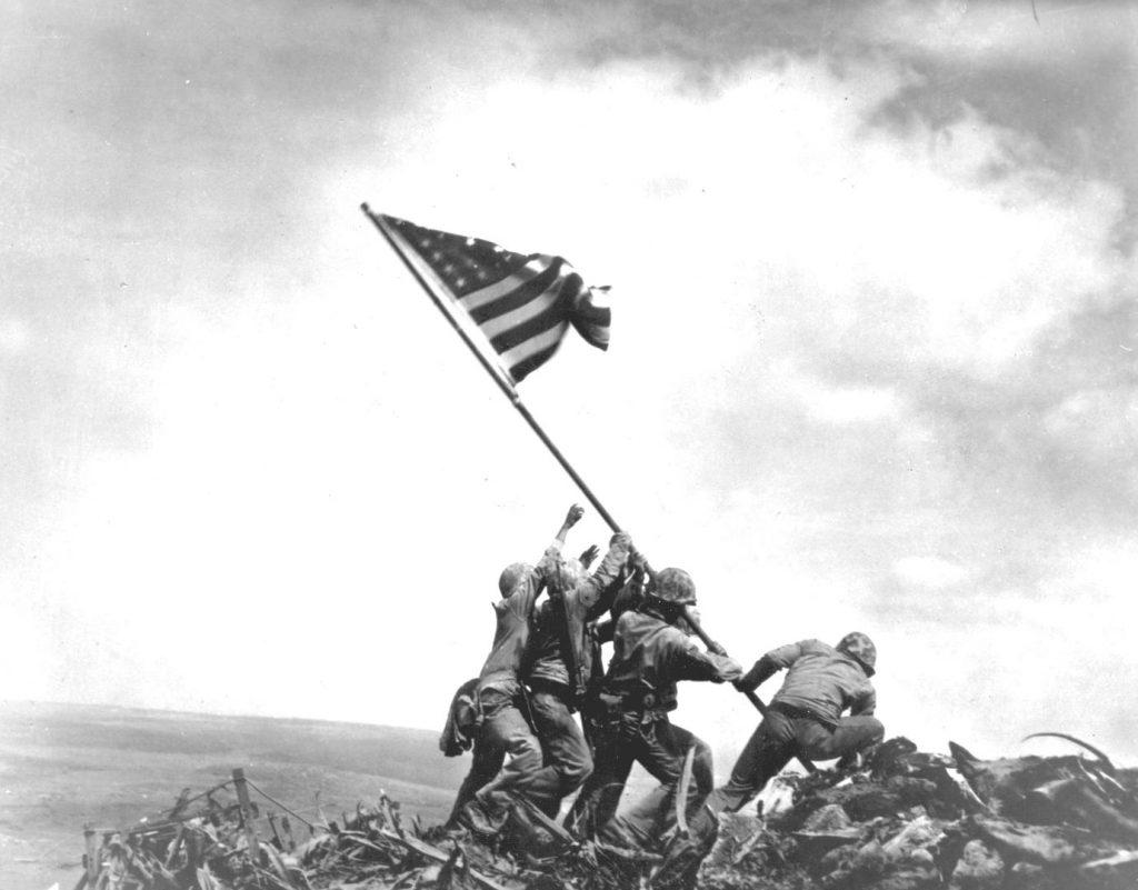 Povijest koju je neposredno ispisao i Josip Kršul: podizanje američke zastave na Iwo Jimi / Foto arhiv