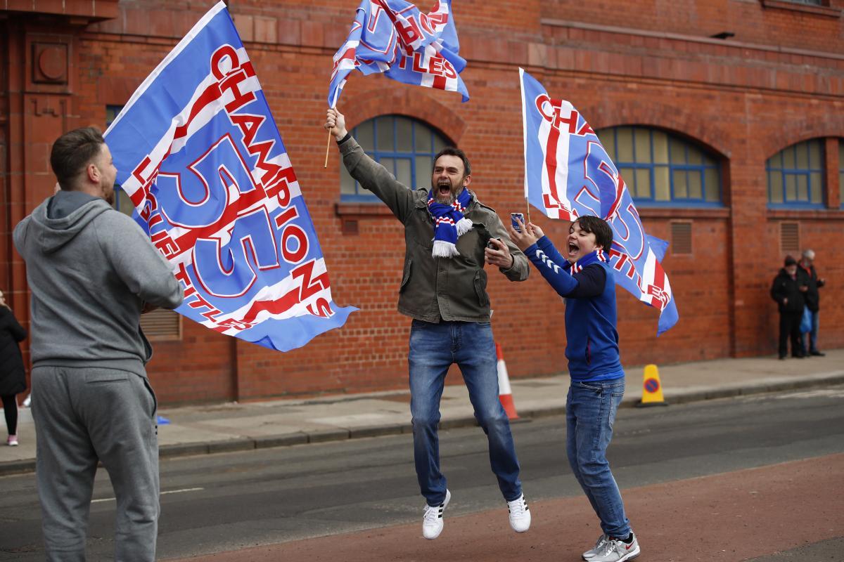 Slavlje navijača Rangersa nakon potvrđene titule prvaka/Foto REUTERS
