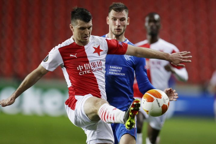 Ondrej Kudela (Slavia Prag) i Borna Barišić (Rangers)/Foto REUTERS
