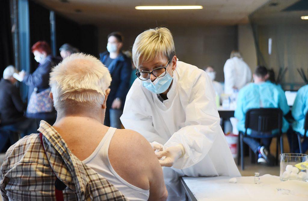 Sve prijave sad idu u središnji registar: Liste za cijepljenje odsad i na platformi
