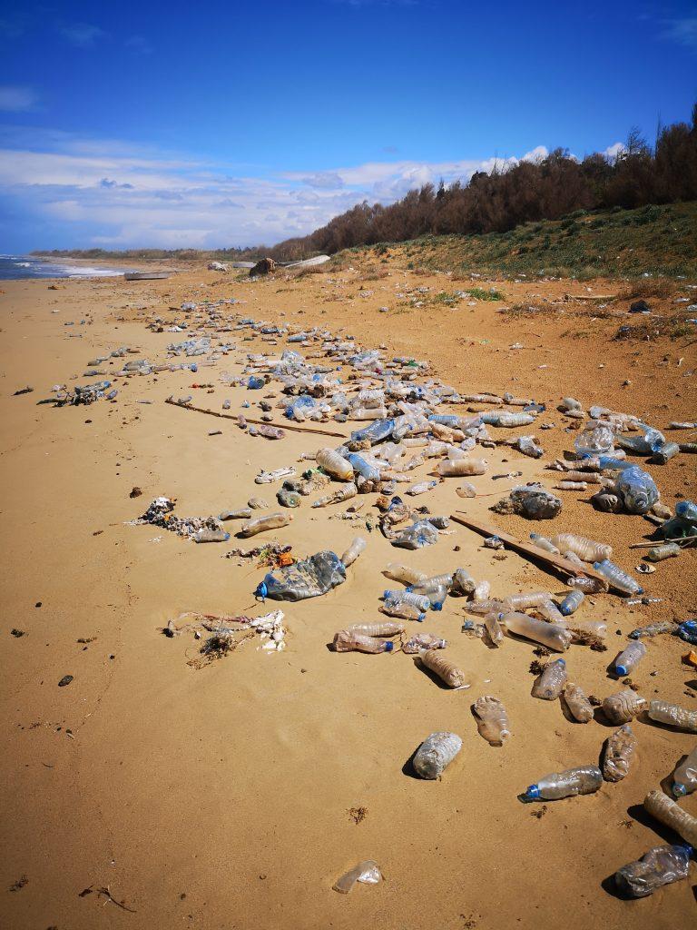 More je izbacilo velike količine plastike