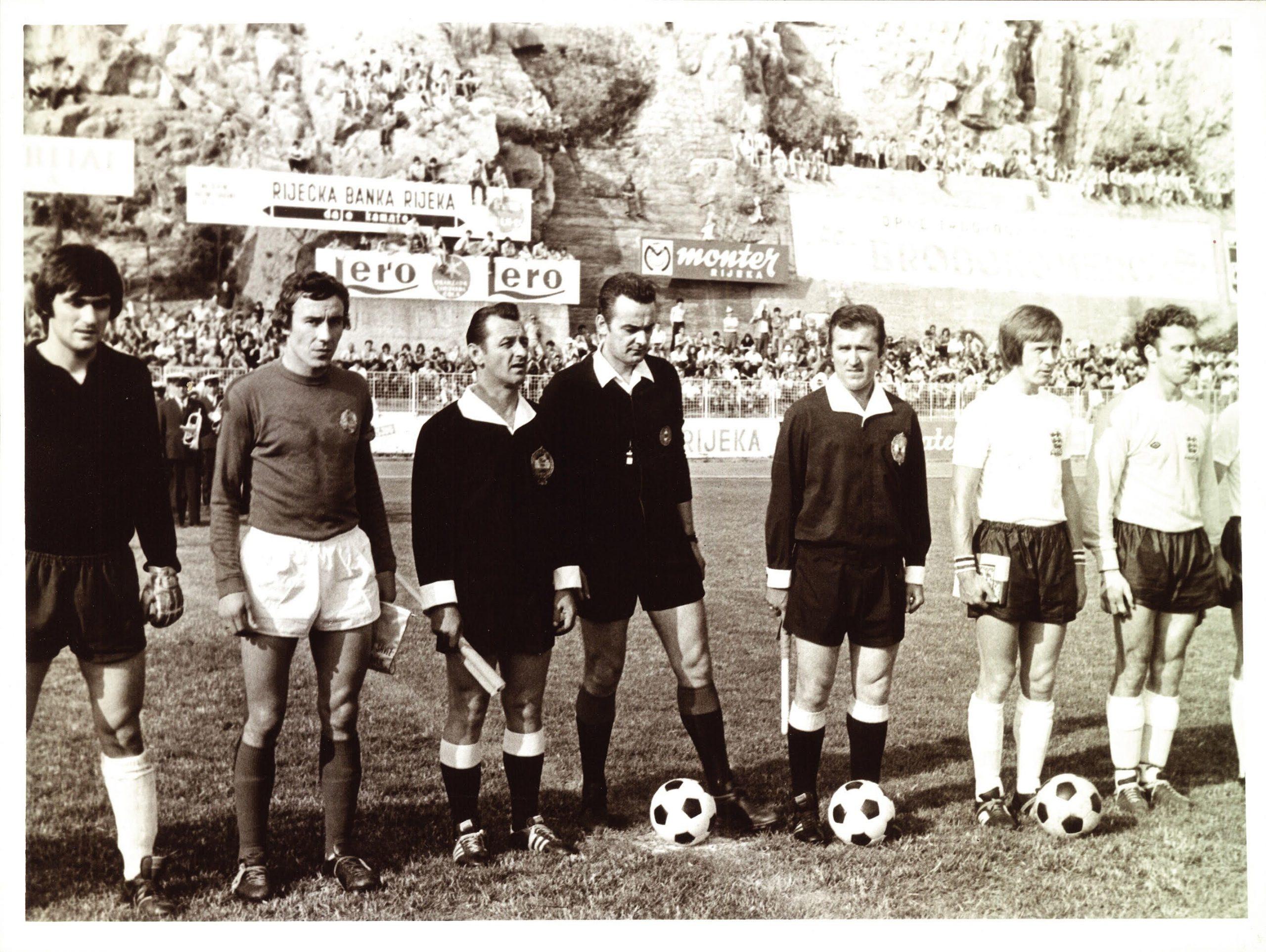 Giovanni Superina (treći zdesna) uoči prijateljskog ogleda Jugoslavije i Engleske na Kantridi
