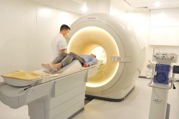 Nakon postavljanja dijagnoze istog se dana može nastaviti s kirurškim ili nekim drugim oblikom liječenja