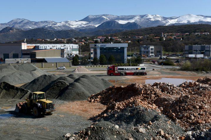 Industrijska zona na Kukuljanovu – uređenje komunalne infrastrukture / Foto Marko Gracin