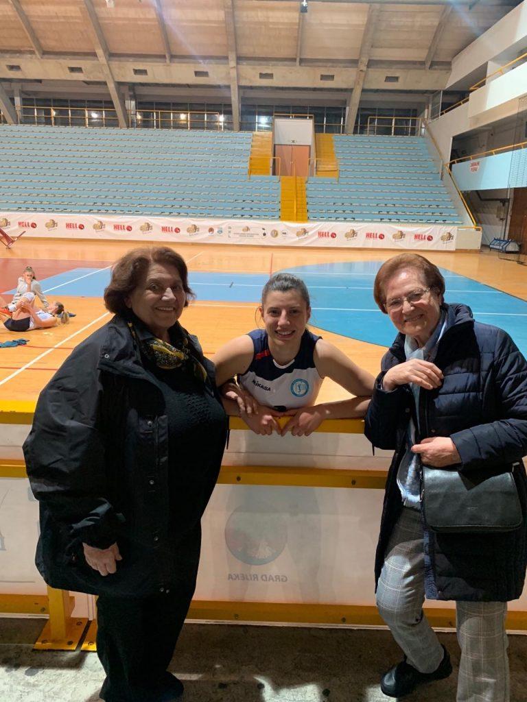 Ivona s bakama, Nevenkom Bakarčić i Orfelijom Milosavljević