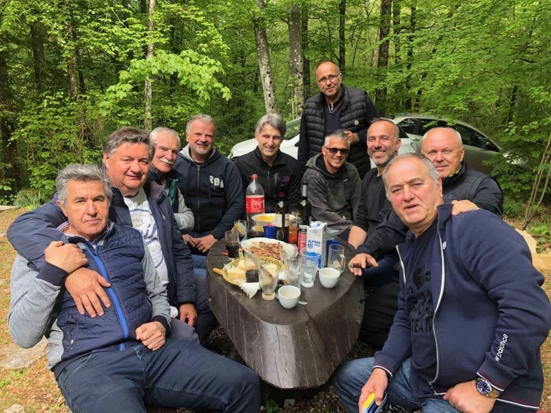 Emiljano Bakarčić s ekipom Kluba prijatelja sporta