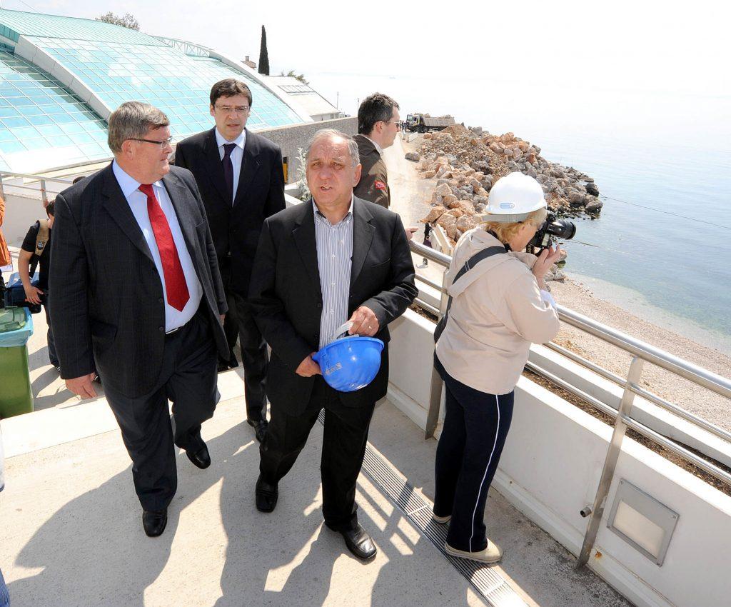 U društvu gradonačelnika Obersnela tijekom obilaska gradilišta bazena na Kantridi 2010. / SNIMIO SERGEJ DRECHSLER