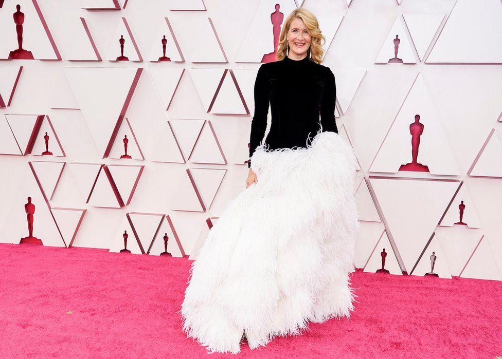 Laura Dern u haljini Oscar de la Renta / Reuters