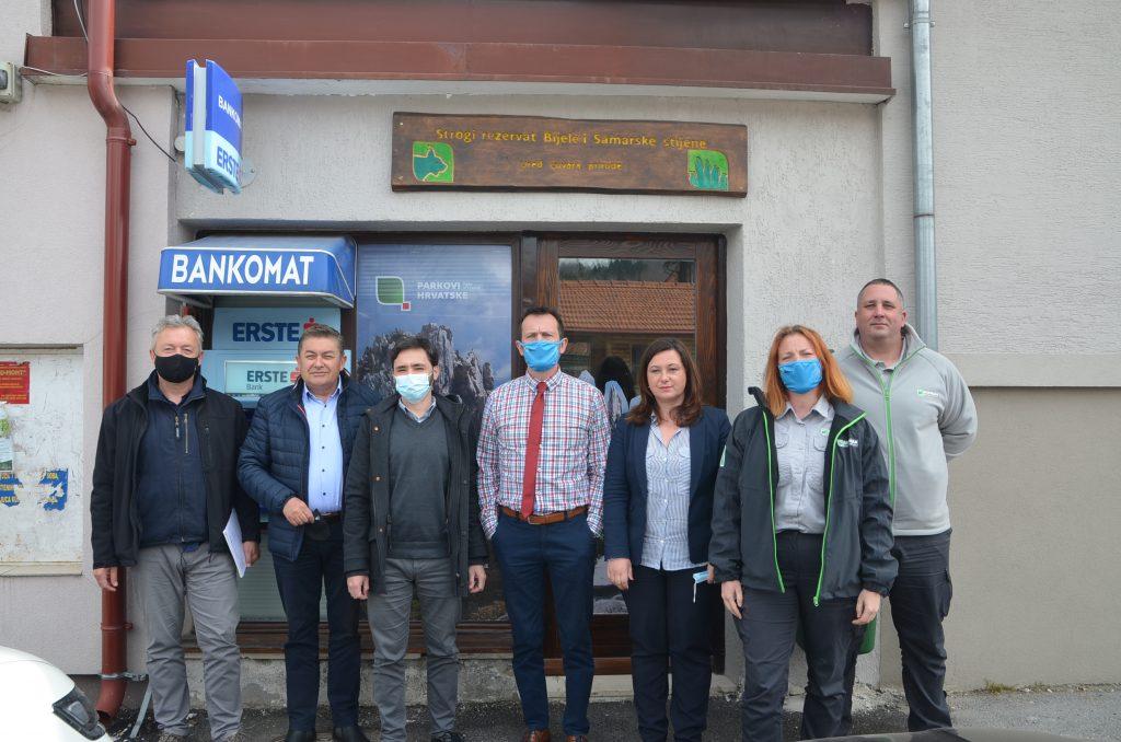 Početku rada Ureda čuvara prirode u Mrkoplju nazočili su i članovi Upravnog odbora NP-a Risnjak / Foto M. KRMPOTIĆ