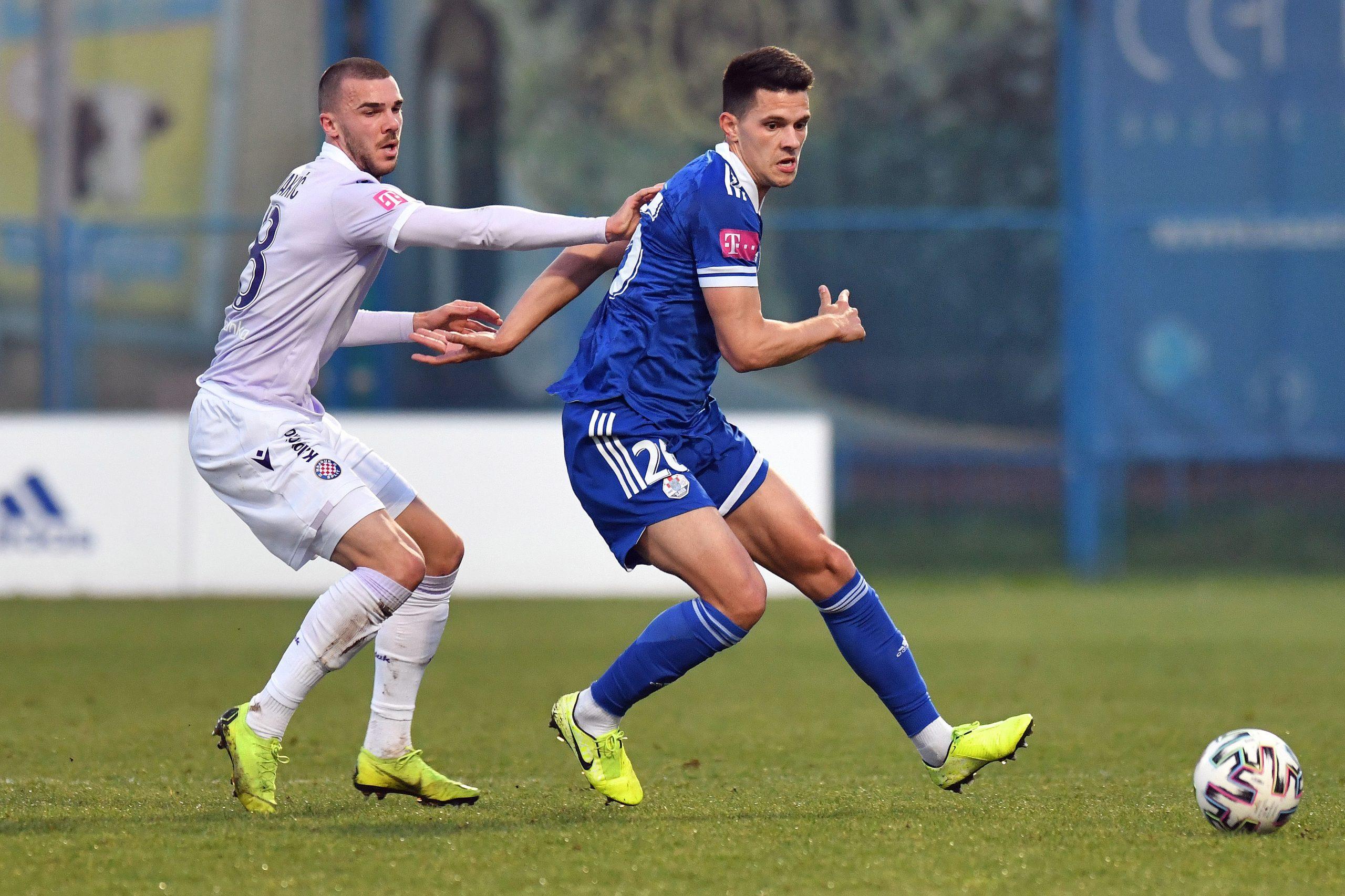 Karlo Lulić (Slaven Belupo) i Nihad Mujakić (Hajduk)/Foto PIXSELL