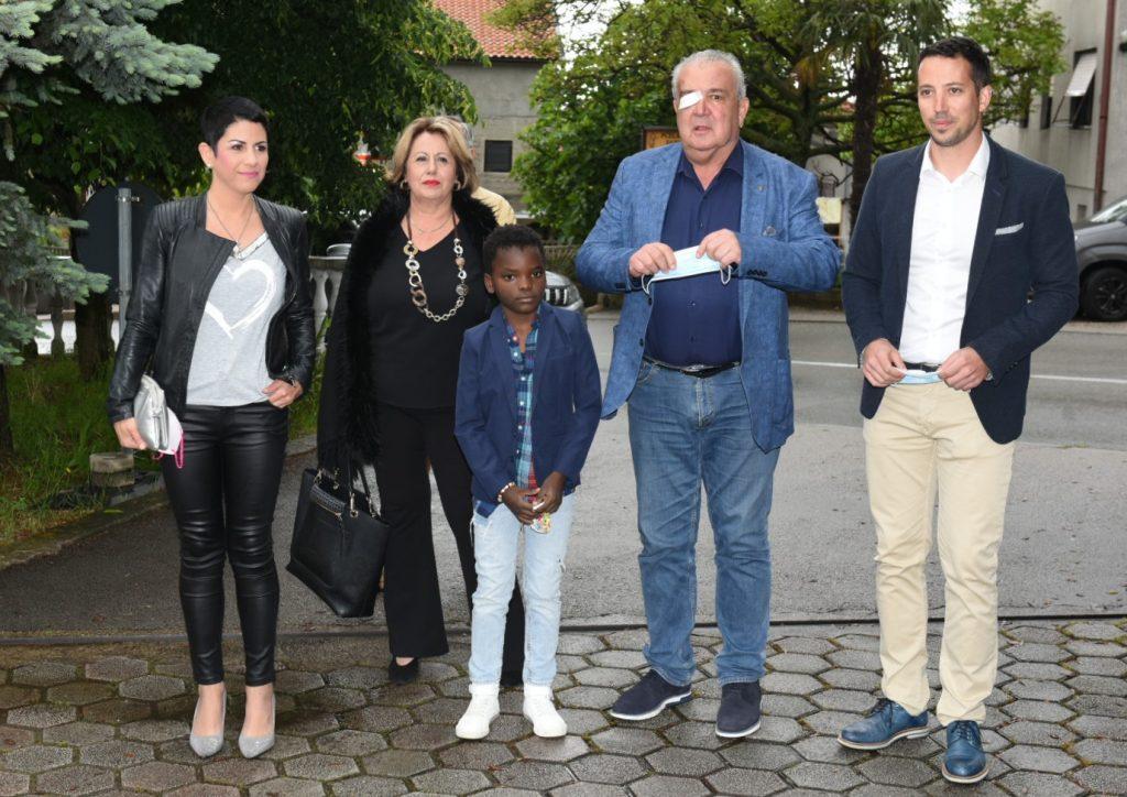 Nikola Ivaniš s obitelji / Snimio Marko GRACIN