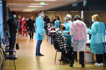 Cijepljenje u dvorani na Zametu / Foto Sergej Drechsler