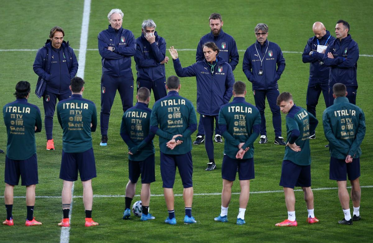 Robert Mancini i igrači/Foto: REUTERS