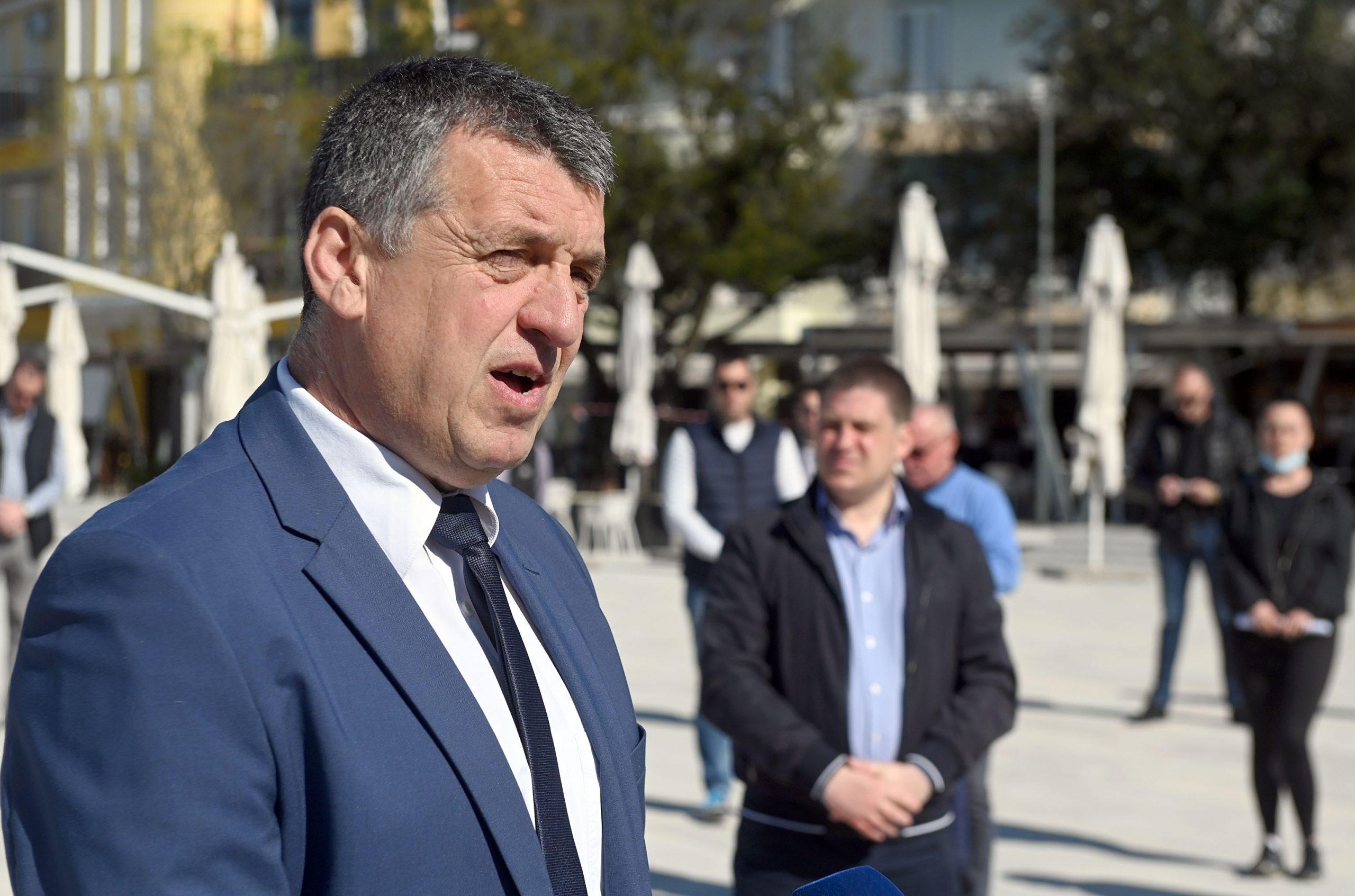 Damir Rukavina u lovu na četvrti mandat mora ići u drugi krug / Foto V. KARUZA