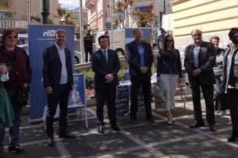 Podrška Marku Ćoriću ispred opatijske tržnice / Foto A. KUĆEL-ILIĆ
