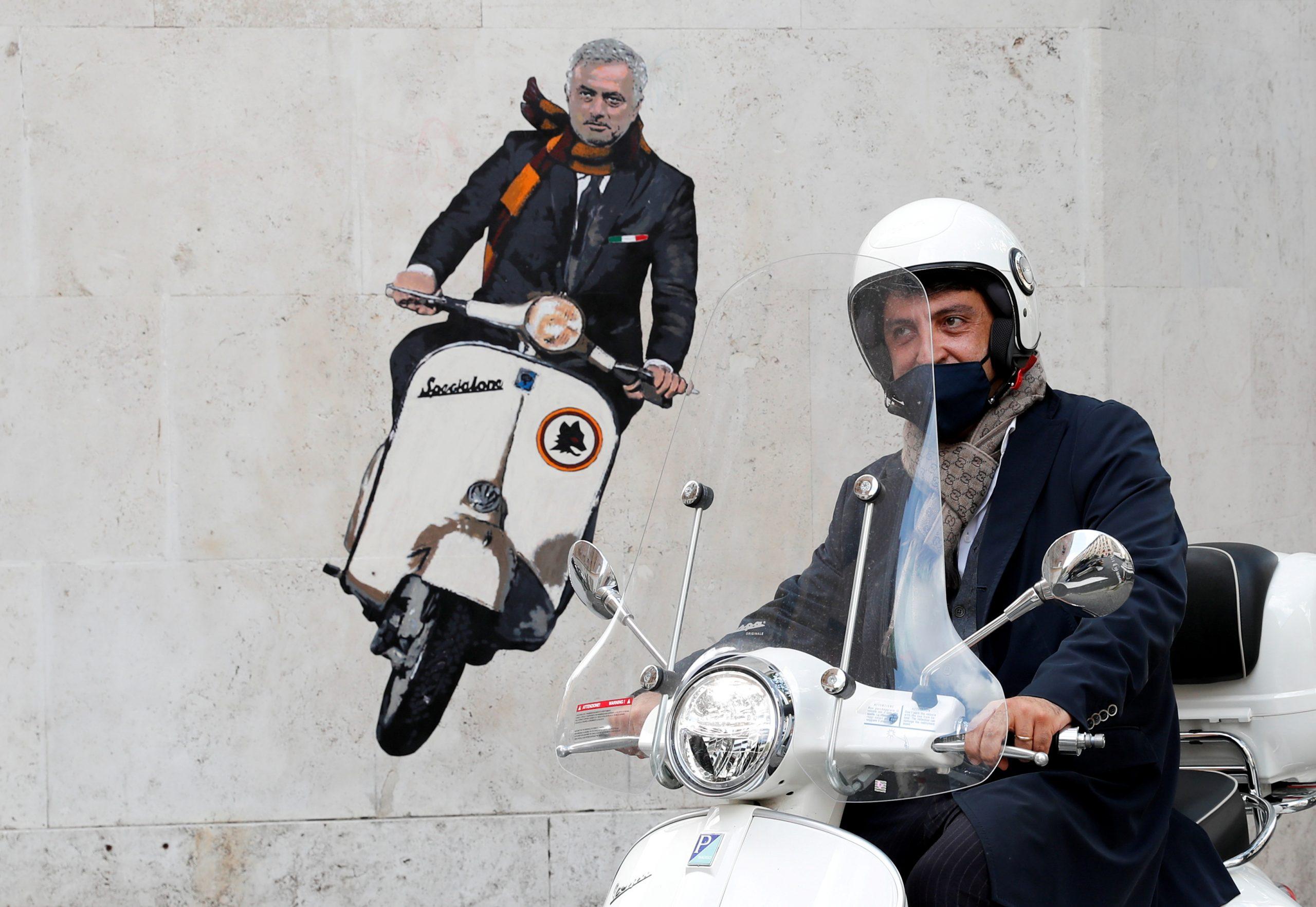 Jose Mourinho prava je aktrakcija u Rimu/Foto REUTERS