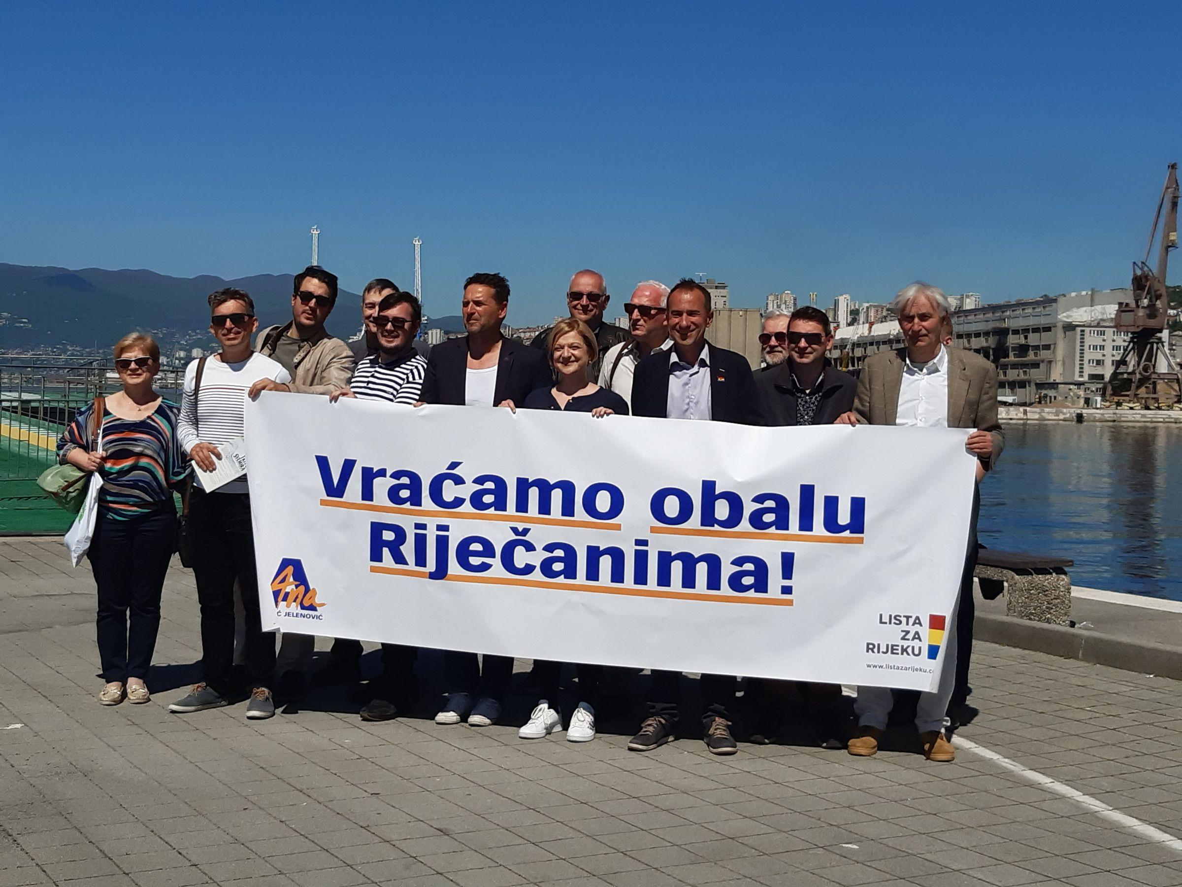 Kandidati Liste za Rijeku i Kvarnerske inicijative na Molo longu / Foto Mirjana Grce