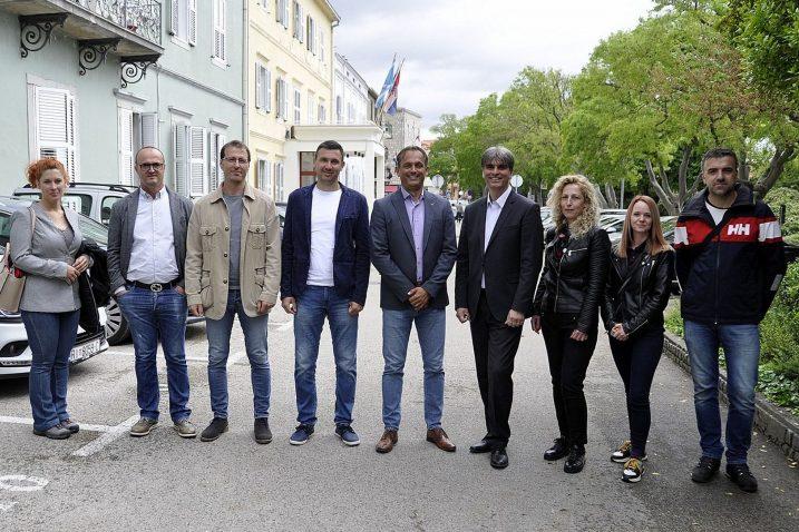Kandidati sa zajedničke liste krčkog PGS-a i SDP-a / Foto M. TRINAJSTIĆ