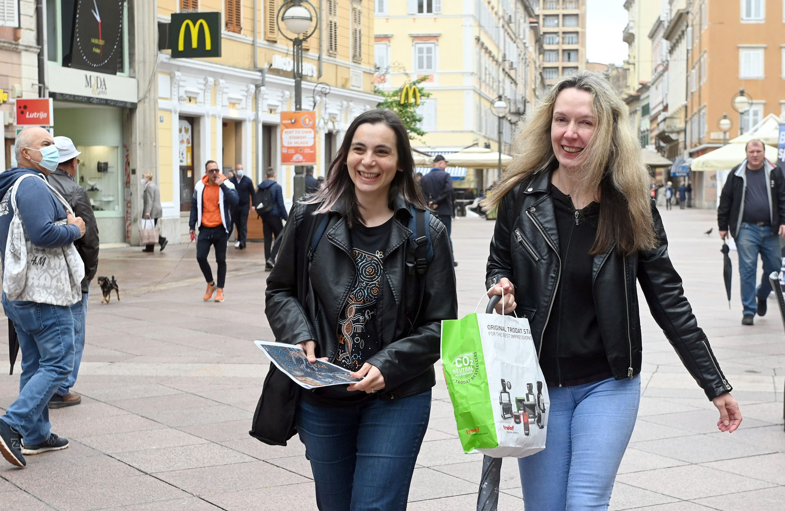 Marina Manganaro i Vanesa Ujčić Ožbolt / Foto Vedran Karuza