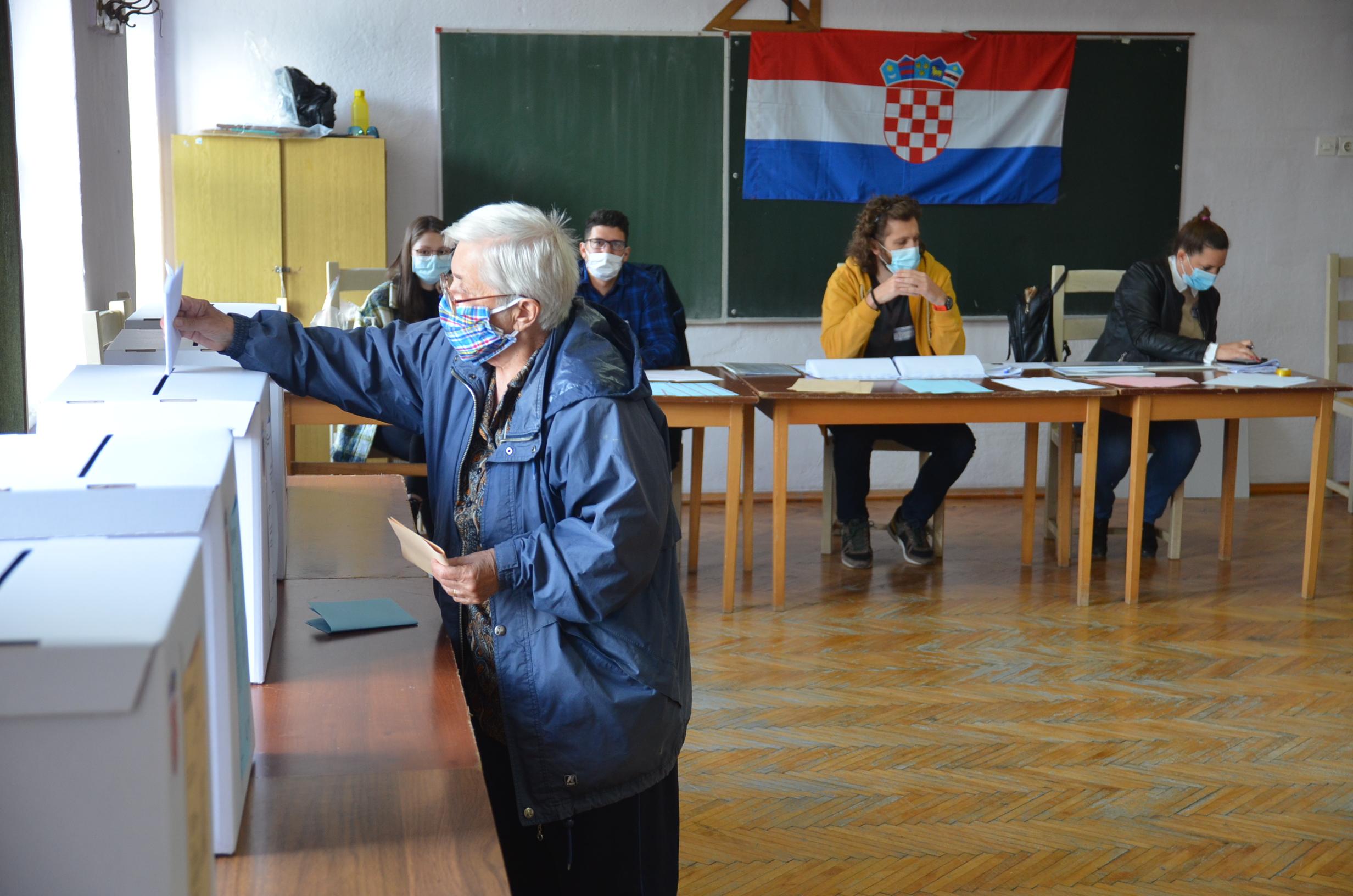 Gorani rekli svoje, drugi krug slijedi samo u Čabru, Delnicama i Vrbovskom / Foto M. KRMPOTIĆ