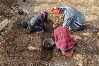 Krajem prošle i početkom ove godine na gradilištu su »glavni« bili arheolozi / Foto Franjo DERANJA