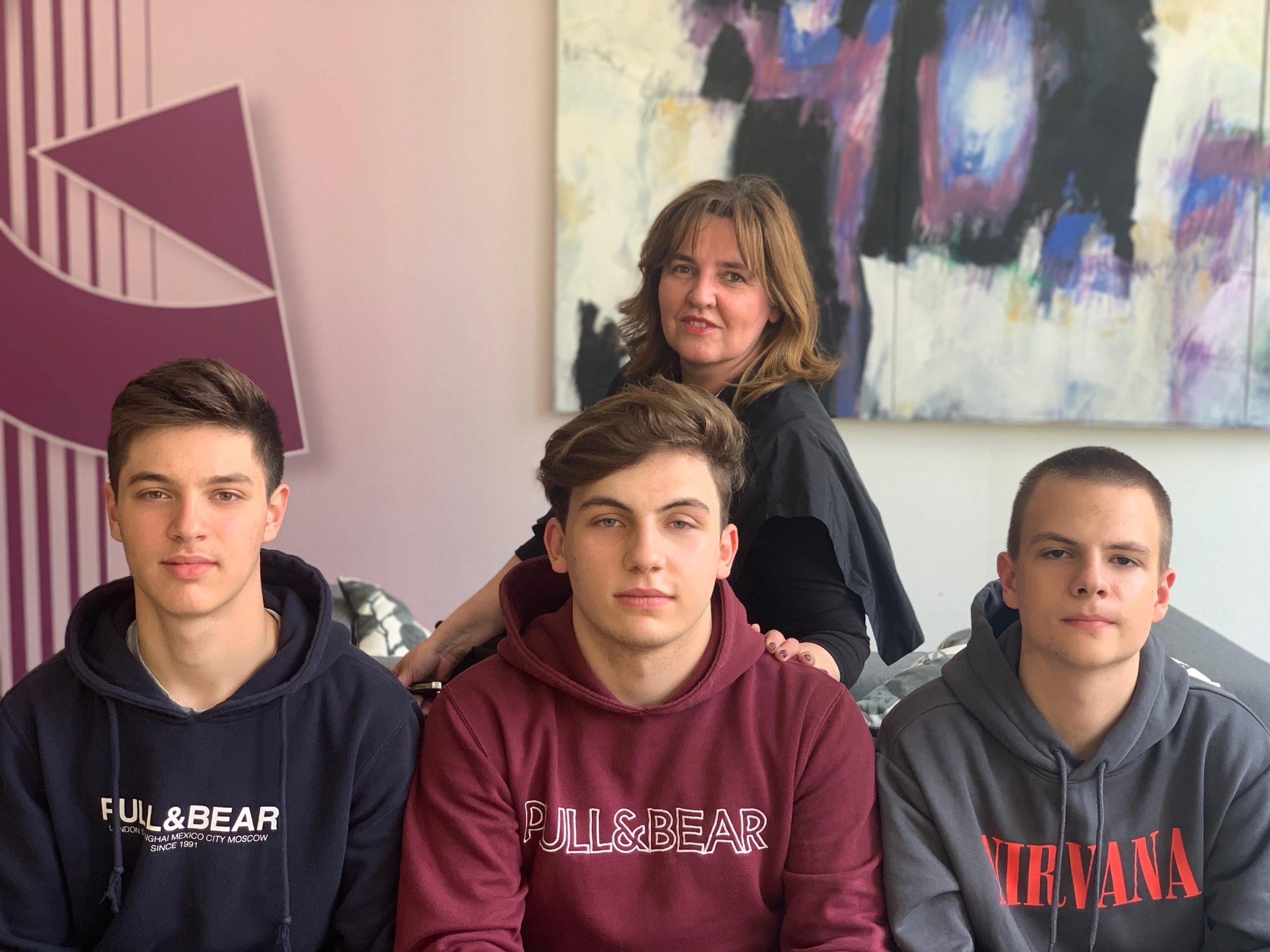 Nagrađeni učenici iz Čakovca Leon Vajda, Hugo Mađarić, Andrija Palašek s profesoricom Tamarom Srnec