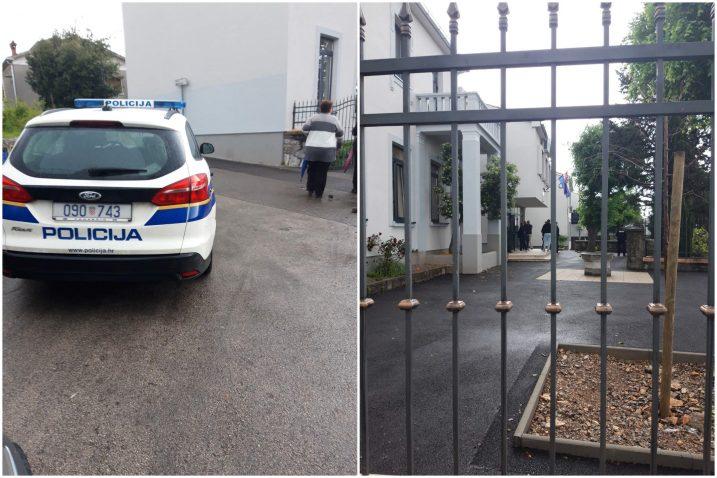 Intervencija policije na biračkom mjestu na Pehlinu / Snimili čitatelji