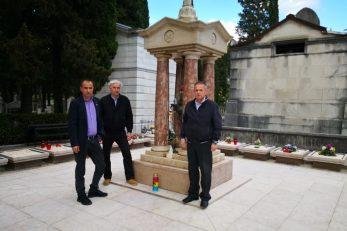 Delegacija Liste za Rijeku na groblju Kozala