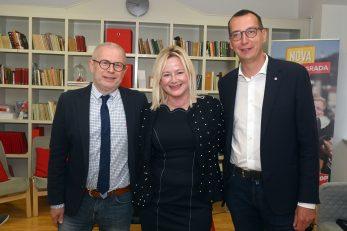 Goran Palčevski, Sandra Krpan i Marko Filipović u izbornoj noći / Foto V. KARUZA