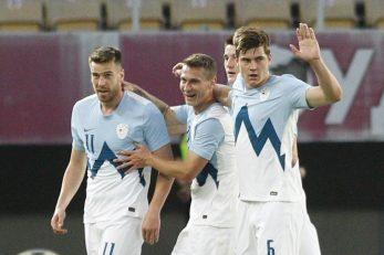 Igrači Slovenije slave pogodak/Foto REUTERS