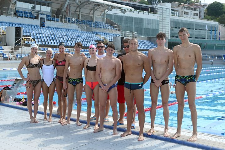 GOSTI BOGATOG PLIVAČKOG ISKUSTVA – Mađarski plivači s domaćinima iz Kantride/Foto V. KARUZA
