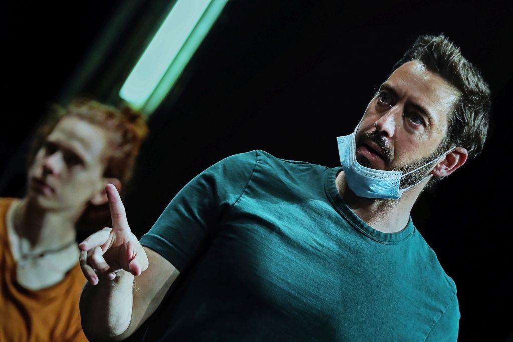 Douglas Lee na probi u riječkom kazalištu / Foto t: FANNI TUTEK-HAJNAL