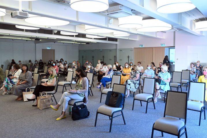 Pri održavanju kongresa strogo se poštuju epidemiološke mjere - nedavni skup u hotelu Četiri cvijeta. / foto: Vedran Karuza