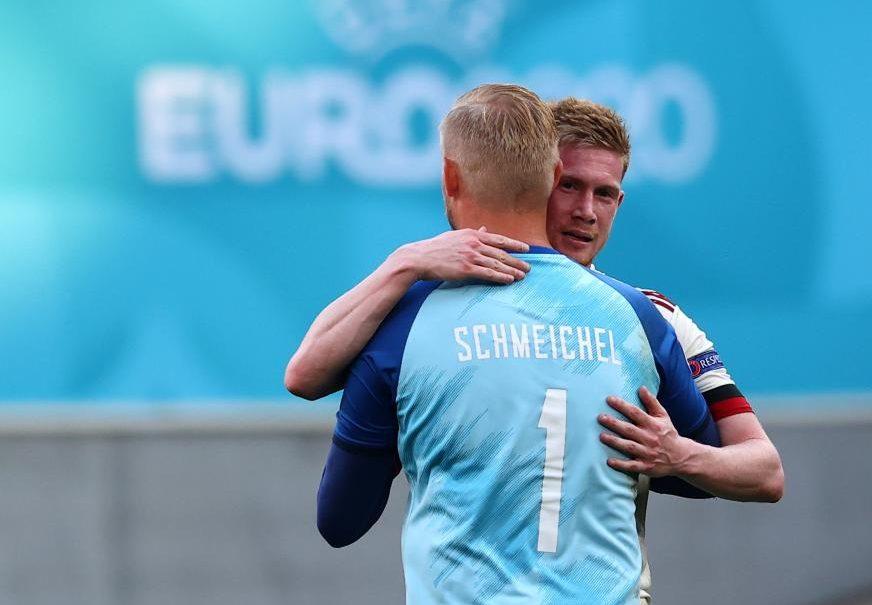 Kasper Schmeichel i Kevin De Bruyne/Foto REUTERS
