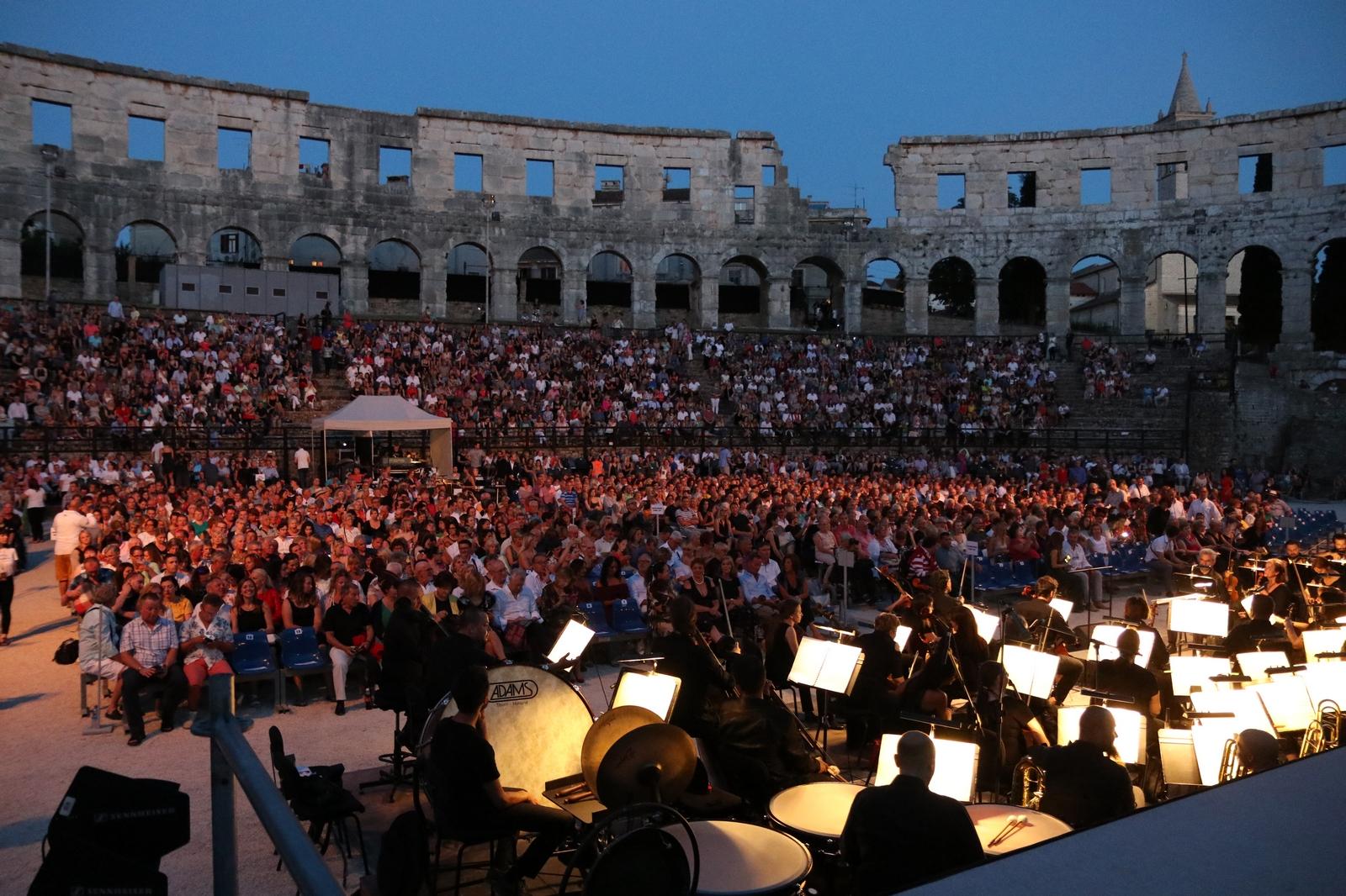 Riječki simfonijski orkestar u pulskoj Areni