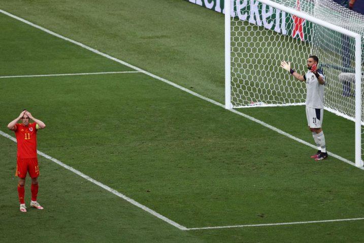Gareth Bale nakon propuštene prilike/Foto REUTERS