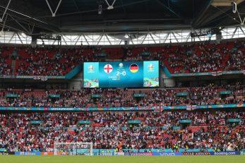 Vraćaju se ovakve kulise na engleske stadione/Foto REUTERS