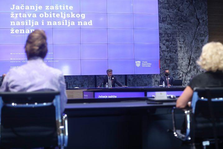 Premjer RH Andrej Plenkovic sastao se sa predstavnicima udruga koje brinu o zrtvama i prevenciji nasilja. Photo:Zeljko Lukunic/PIXSELL